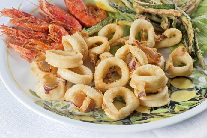 Calamari e gamberi fritti